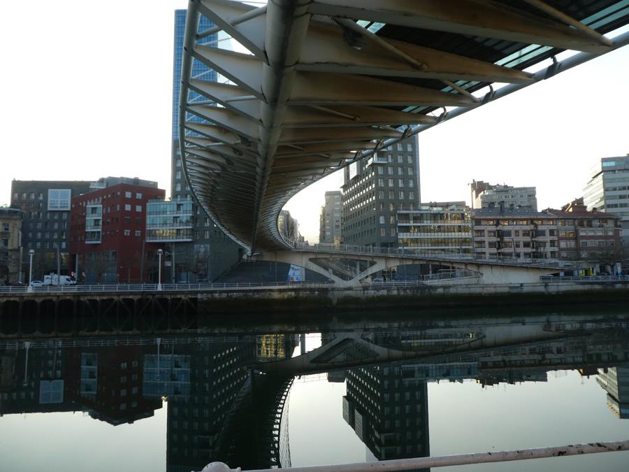 Brücke über den Fjord von Bilbao
