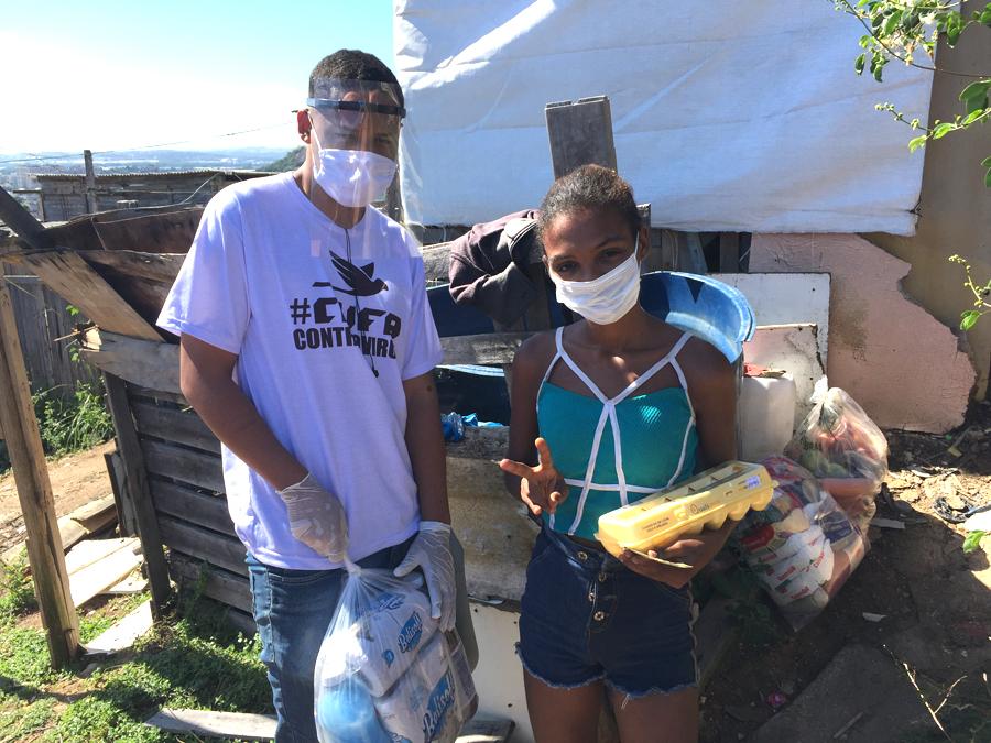 Covid-19: NGO liefert Lebensmittelpakete für die Terra Prometia, Favela Vila Cruzeiro