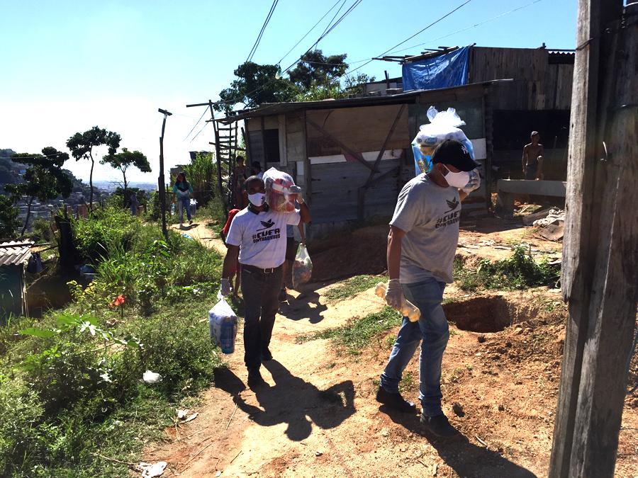 Covid-19: Lebensmittelpakete für Terra Prometia, Favela Vila Cruzeiro